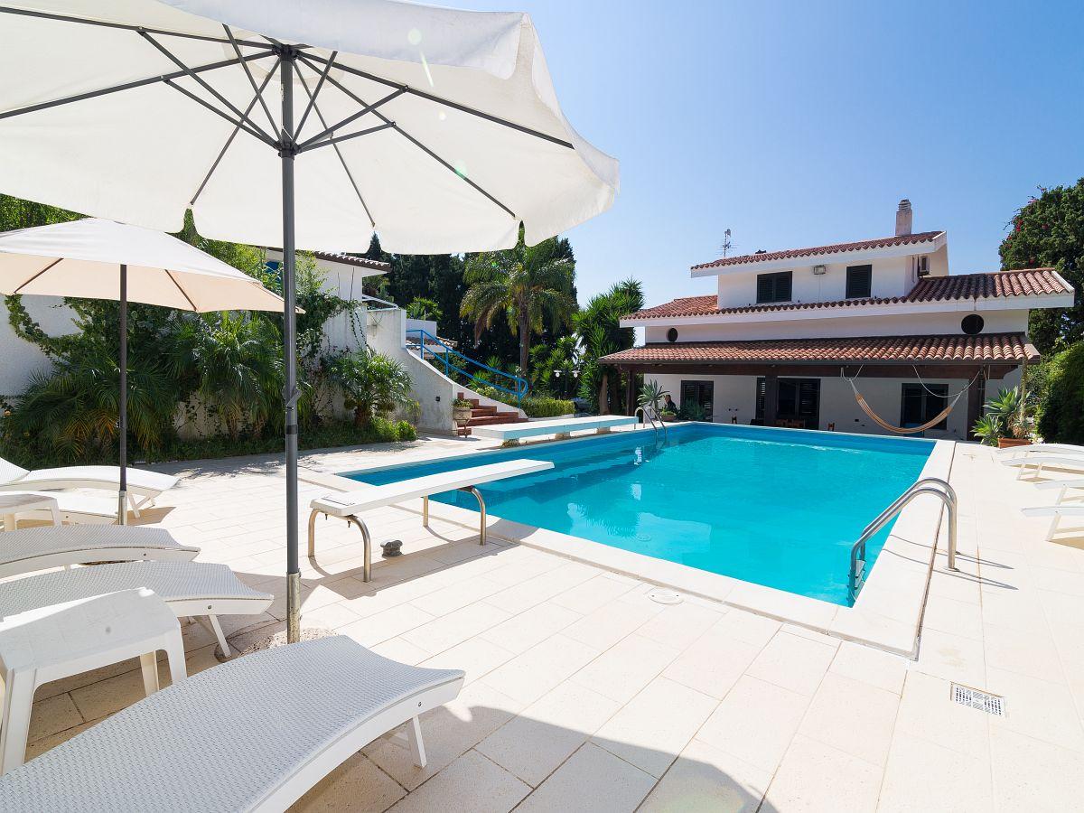 villa cora ferienhaus mit pool