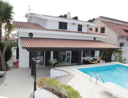 Casa Melograno – Moderne Ferienwohnung mit Pool am Capo Vaticano