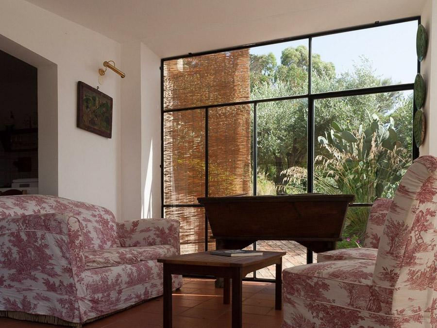 Casa Angiolone – Individuelles Ferienhaus mit Meerblick am Capo Vaticano - Wohnraum