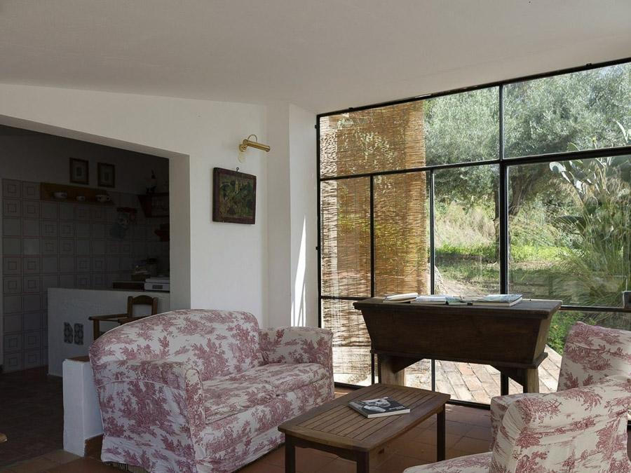 Casa Angiolone – Individuelles Ferienhaus mit Meerblick am Capo Vaticano - Wohnzimmer