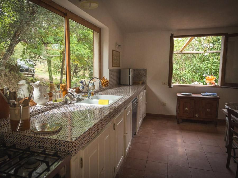 Casa Antonia – Ferienhaus auf herrlichem Terrain am Capo Vaticano - Küche