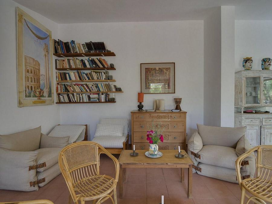 Casa Antonia – Ferienhaus auf herrlichem Terrain am Capo Vaticano - Wohnzimmer