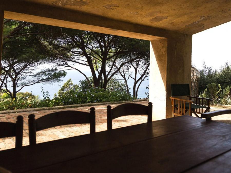 Strandnahes Ferienhaus in der Natur a m Capo Vaticano - Essbereich
