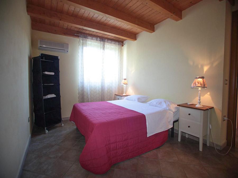 Komfortable Ferienhäuser mit Pool am Capo Vaticano - Schlafzimmer