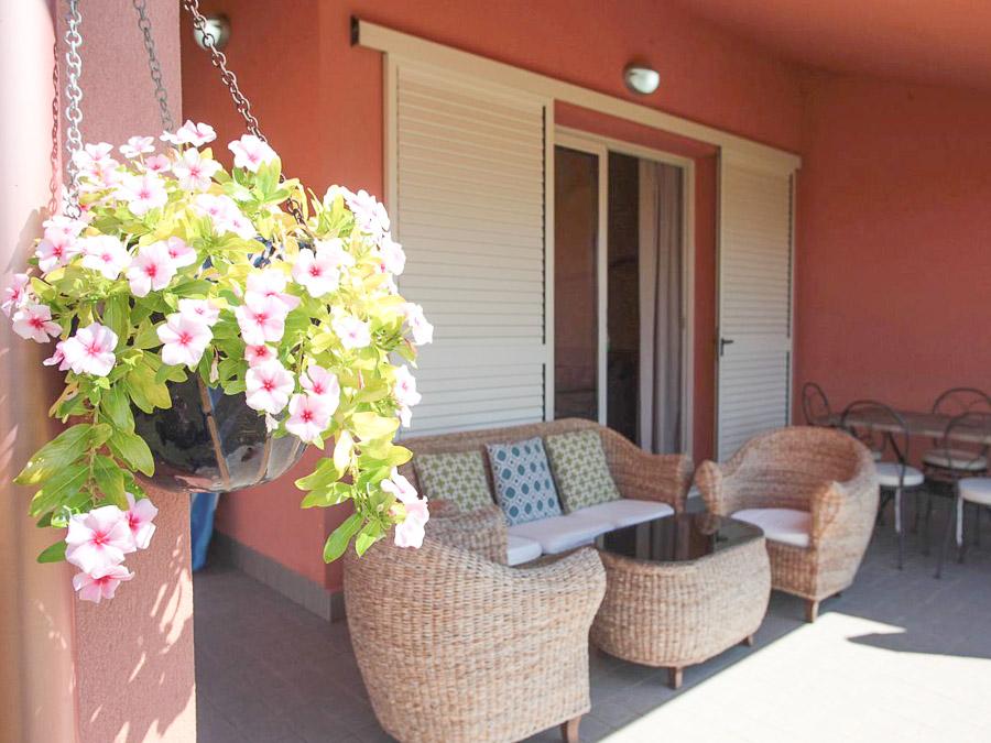 Komfortable Ferienhäuser mit Pool am Capo Vaticano - Veranda