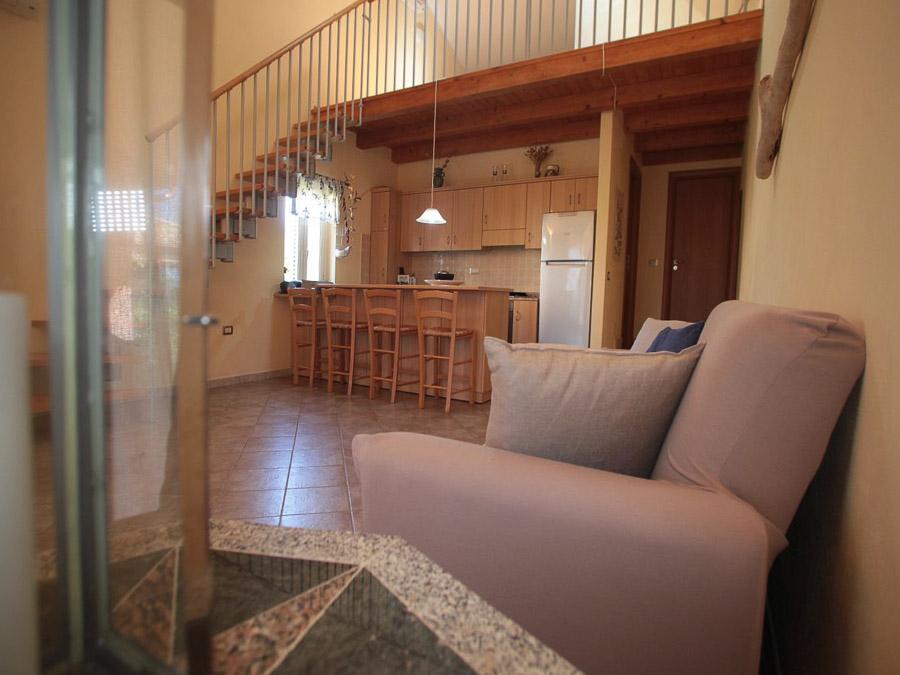 Komfortable Ferienhäuser mit Pool am Capo Vaticano - Wohnküche