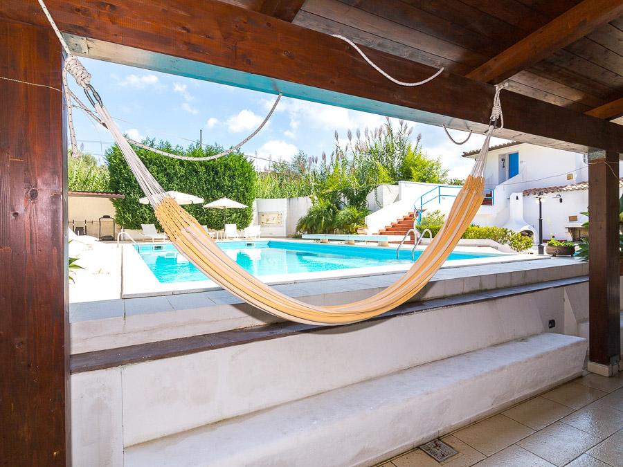 Casa Melograno – Moderne Ferienwohnung mit Pool am Capo Vaticano in Kalabrien, Süditalien - Terrasse