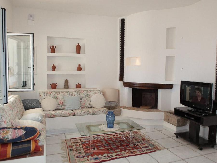 Casa Melograno – Moderne Ferienwohnung mit Pool am Capo Vaticano in Kalabrien, Süditalien - Wohnraum