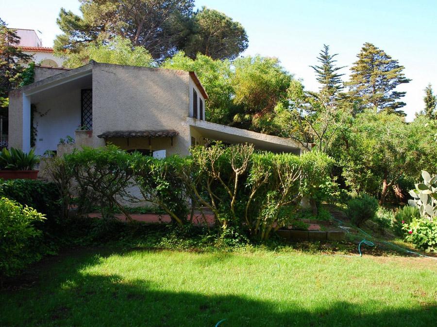 Casa Portico – Reizendes Ferienhaus mit großer Veranda am Capo Vaticano in Kalabrien, Italien - Garten