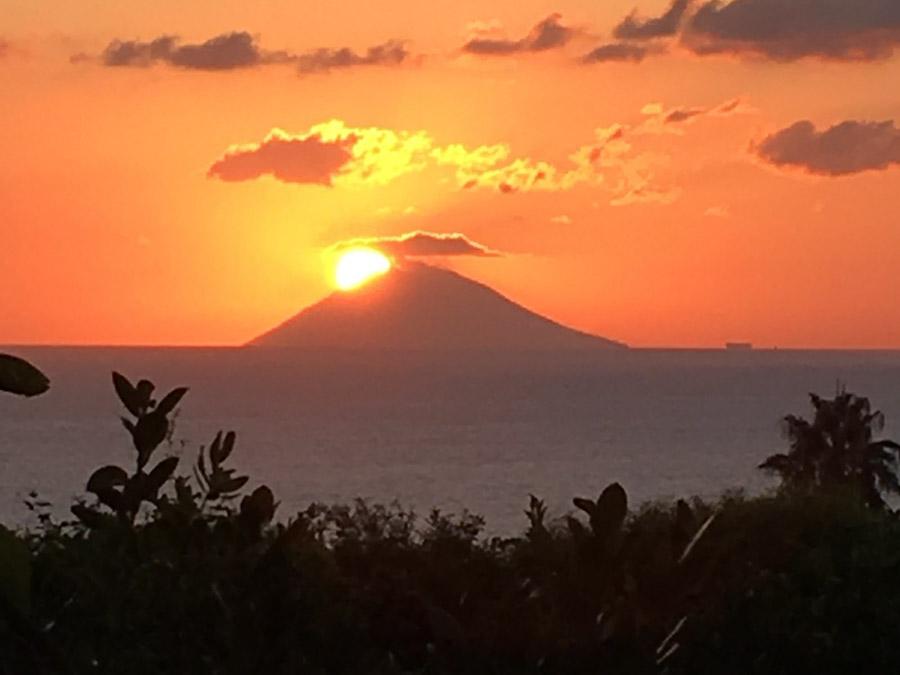 Casa Theo- Ferienhaus am Capo Vaticano mit herrlichem Meerblick - Sonnenuntergang