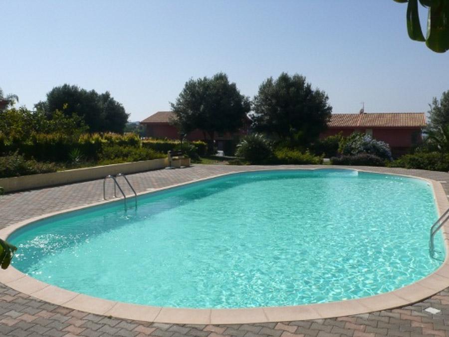 Komfortable Ferienhäuser mit Pool am Capo Vaticano - Swimingpool