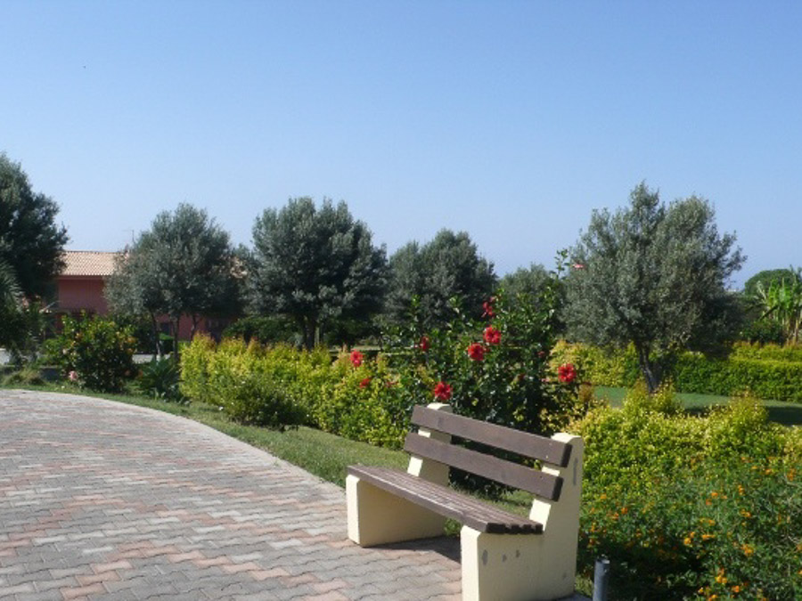 Komfortable Ferienhäuser mit Pool am Capo Vaticano -