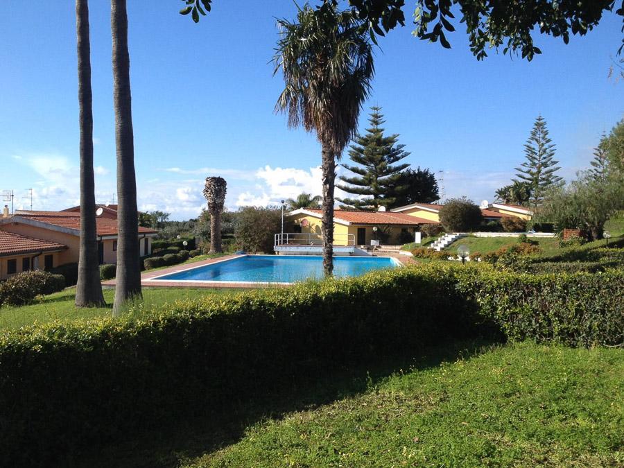 La Contura – Komfortable Ferienhäuser mit Pool am Capo Vaticano - Ferienhaus mit Garten