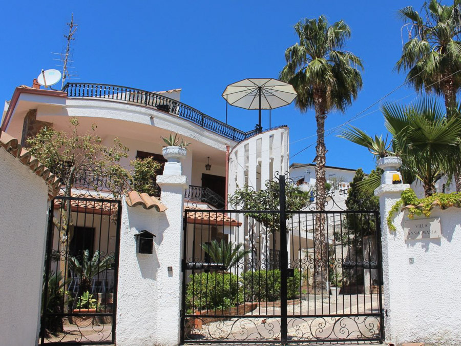 Villa Anna am Capo Vaticano Kalabrien - eine Ferienvilla - Aussenansicht