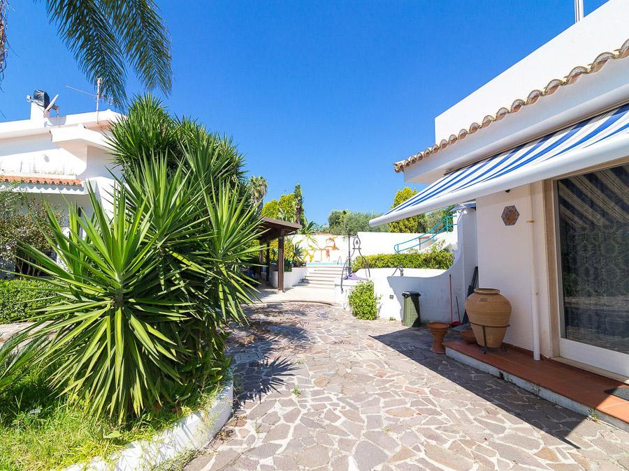 Villa Cora – Exklusive Ferienanlage am Capo Vaticano in Kalabrien - Haus aussen