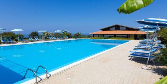 Pool Agriturismo Ninea in Kalabrien
