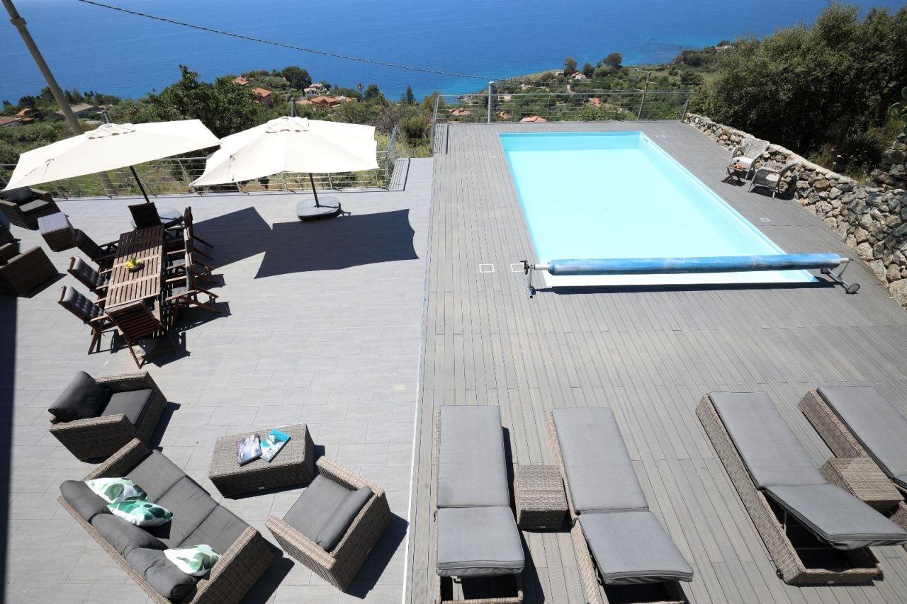 poolbereich villa donna